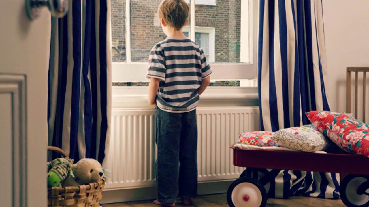 cuidar a los hijos cuando están solos en casa